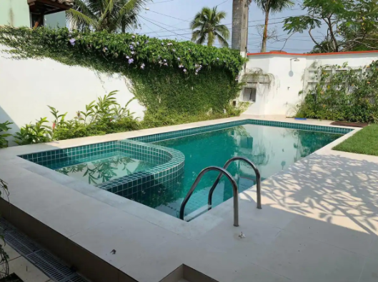 airbnb near me with pool pet friendly